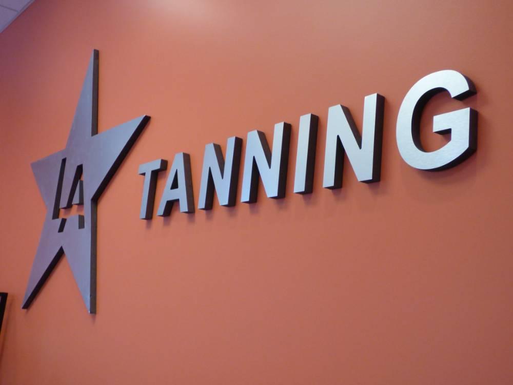 LA Tanning - Oakmont, PA